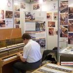 Выставка средних школ 2013 Учатся в Чехии, лечат за границей