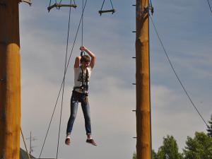 верёвочный-парк-пруд1 Вручение наград студентам, курсов чешского языка 2013/2014