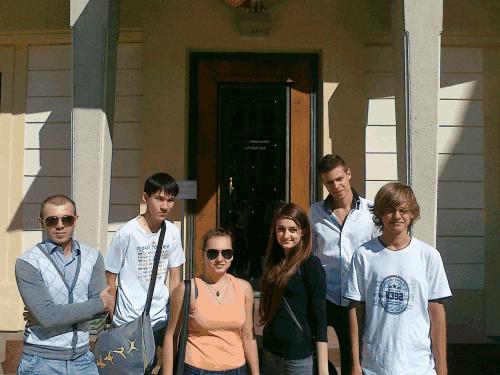 dver-k-prezidentu Поздравляем Всех с новым учебным годом! 2012/2013
