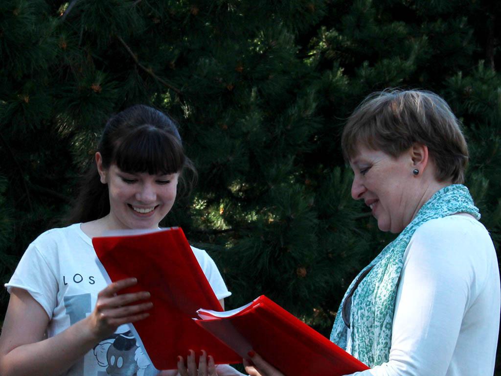 pervoye-mesto-zanyala-studentka-2014 Вручение сертификатов студентам годовых курсов 2014/15