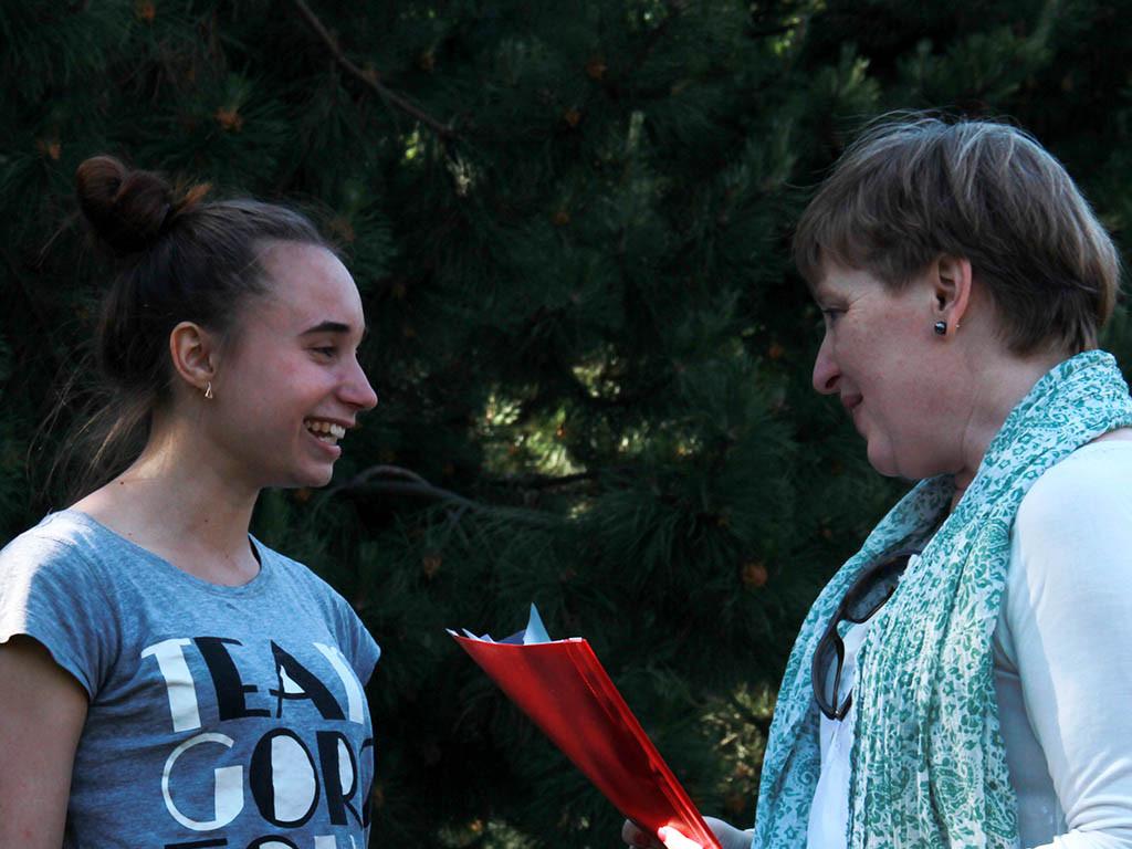 vtoroe-mesto-zanyala-studentka-2015 Вручение сертификатов студентам годовых курсов 2014/15