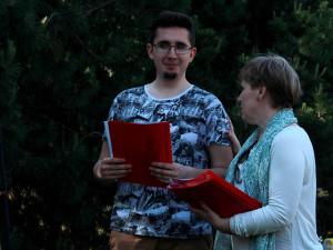 za-optimisticheskiy-nastroy-na-kursakh-2015 Вручение сертификатов студентам годовых курсов 2014/15