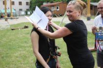 vruchenie-sertifikatov-kursy-cheshskogo (1) Фотографии с вручения сертификатов об окончании годового курса чешского языка 2015/16