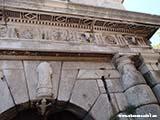 Арнаменты на входе в крепость Хорватия отдых 2013