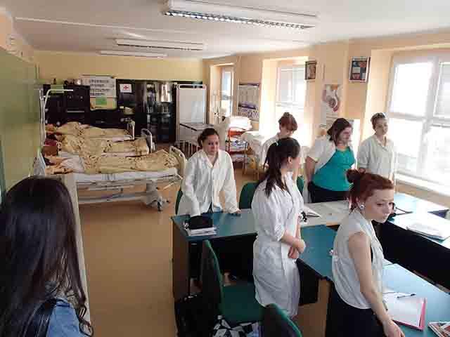 Посещение медицинской средней школы 2014 Посещение медицинской средней школы 2014