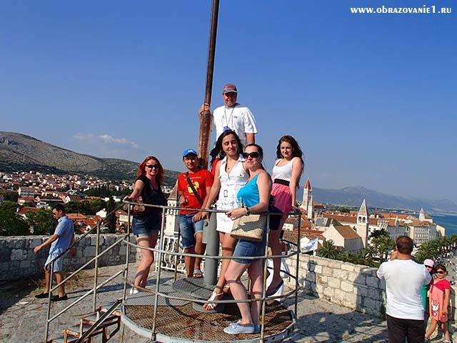 В высокой точки замка Хорватия отдых 2013